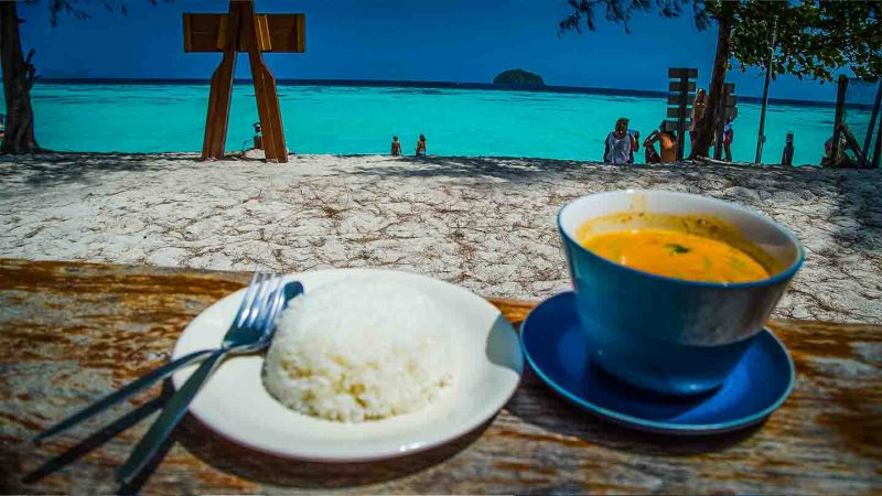 Koh Lipe Thailand Travel Guide - Where to eat Koh Lipe - Thai curry-1