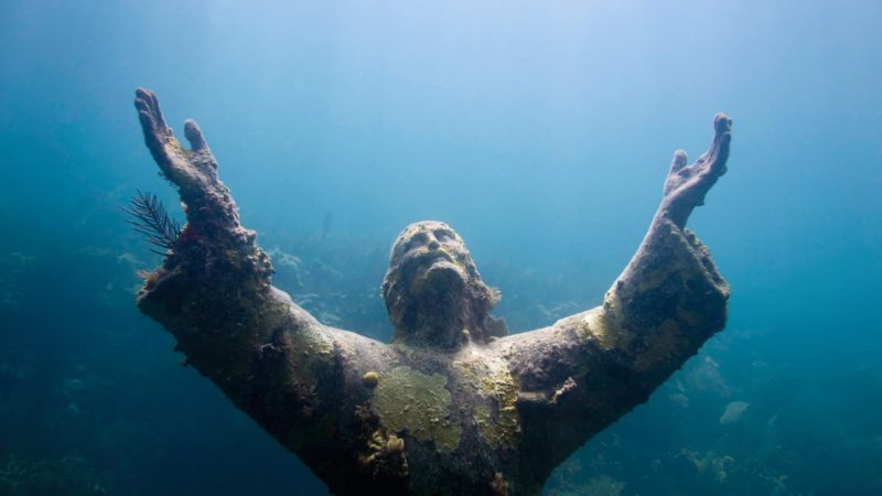 Underwater statue of Jesus at the John Pennekamp State Park - Top things to see on a road trip to Key West